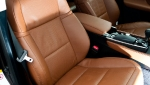 2013-lexus-gs-interior-europe-7