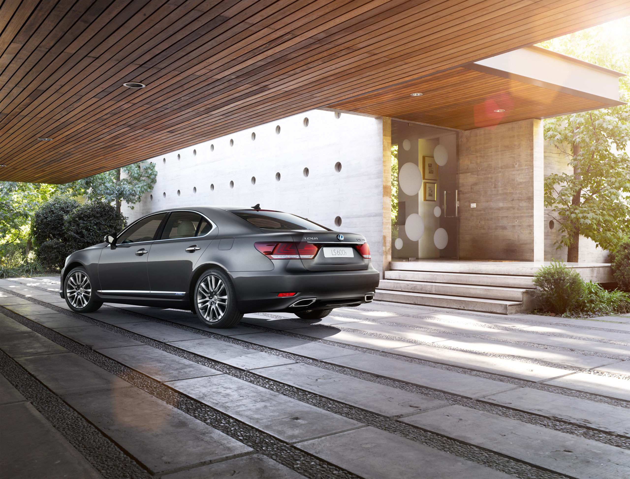 Stunning 2013 Lexus LS Photo Gallery | Lexus Enthusiast