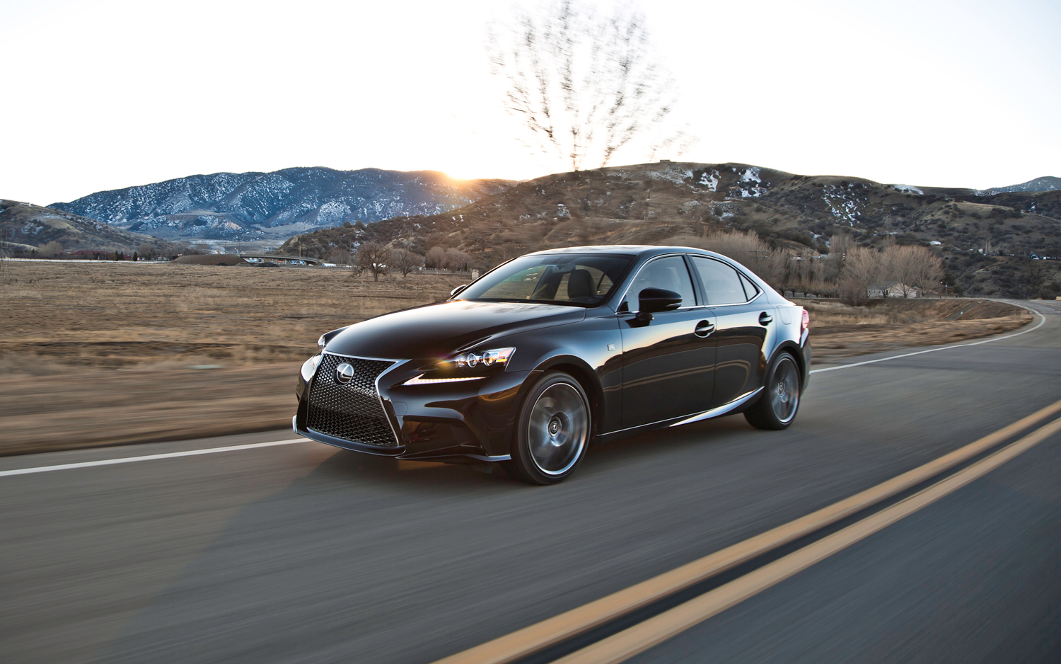 motor trend drives the 2014 lexus is f sport lexus enthusiast. Black Bedroom Furniture Sets. Home Design Ideas