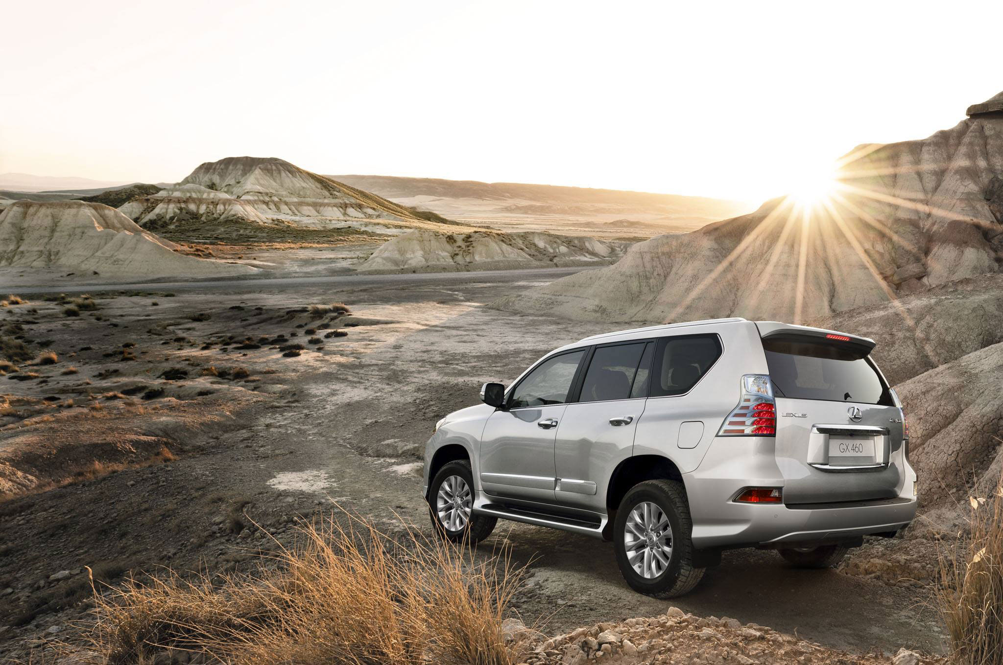 2014 Lexus GX Comes with a New Face and a $4,700 Lower Starting Price