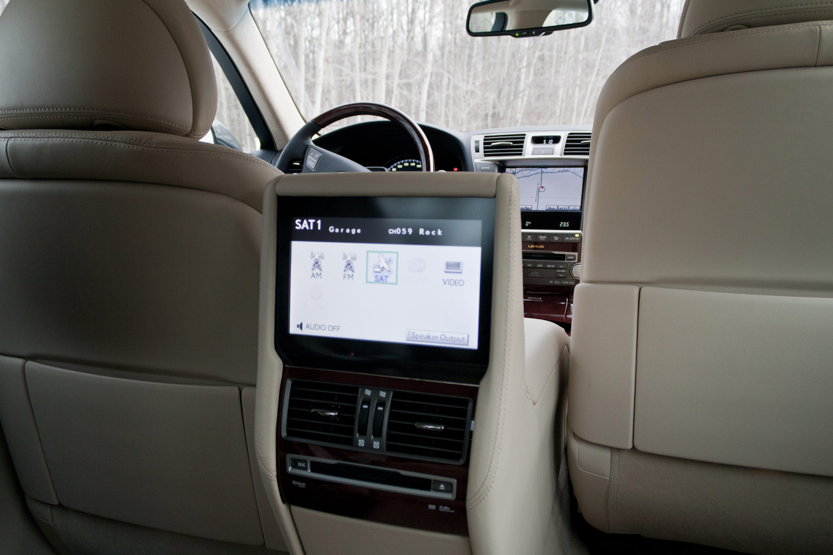 Index of /images/gallery/gallery-lexus-ls-600hl-backseat