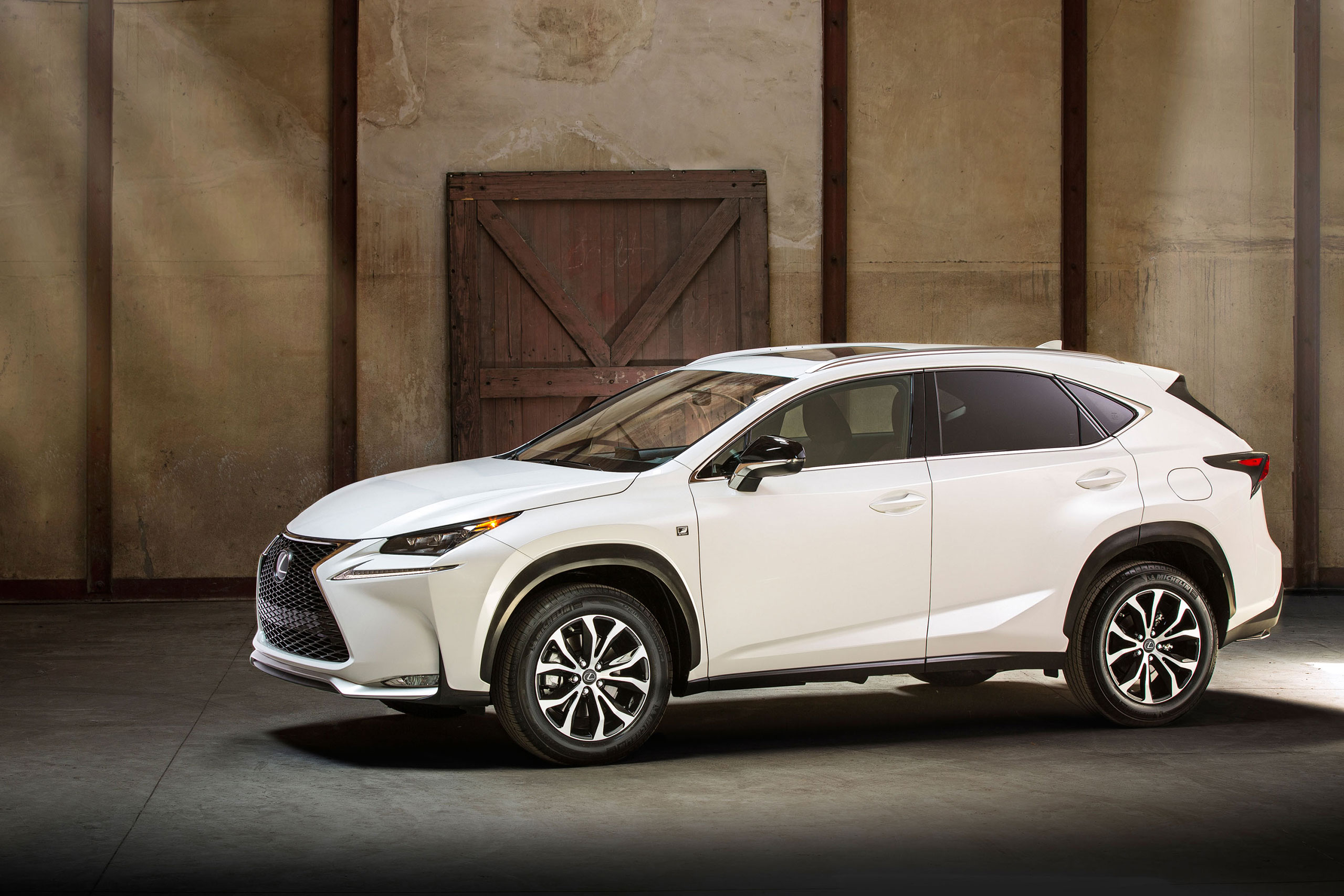 2015 lexus nx f sport photo gallery lexus enthusiast. Black Bedroom Furniture Sets. Home Design Ideas