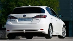 lexus-ct-200h-outside-11