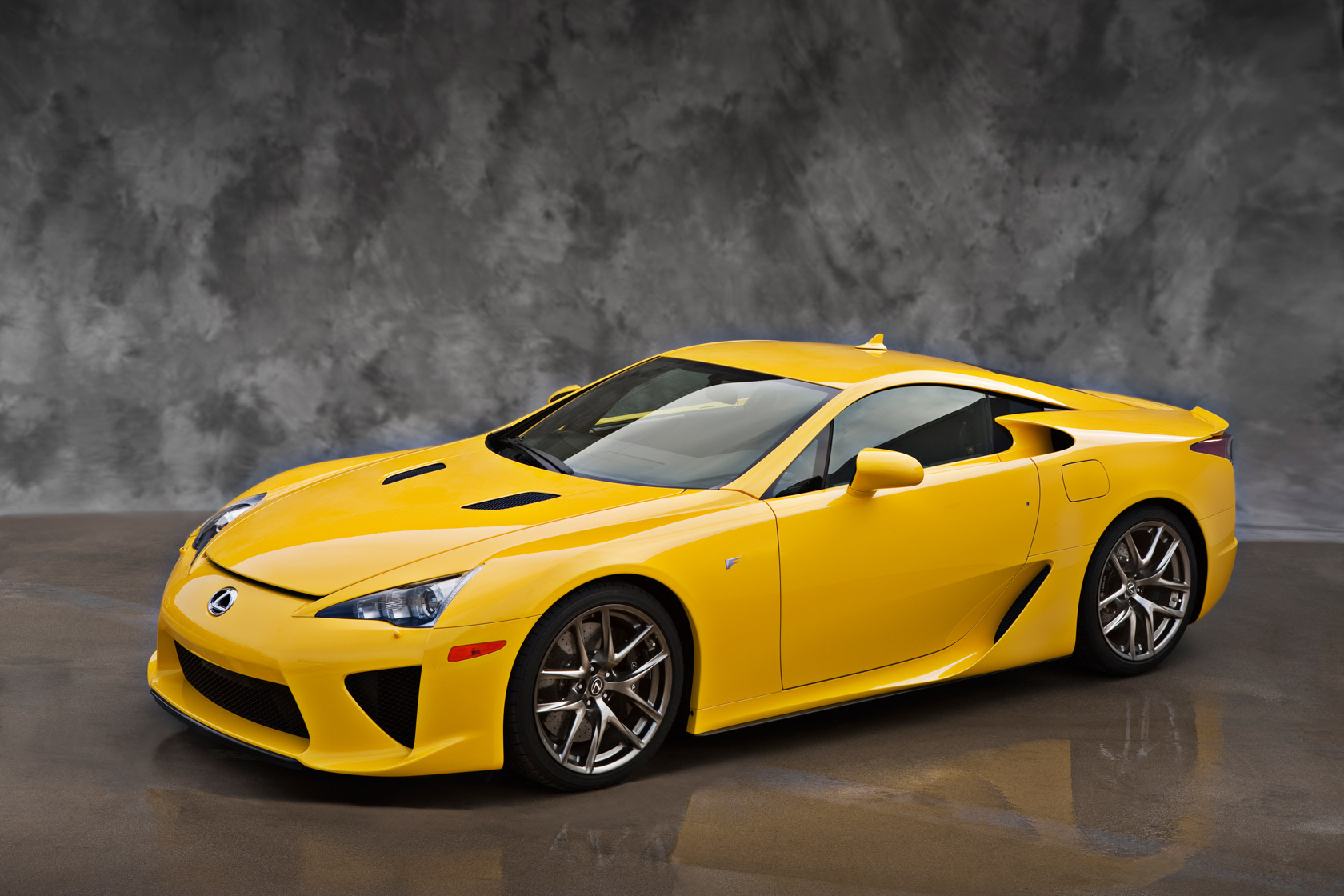 Charming Official Yellow Lexus Lfa Photos Lexus Enthusiast