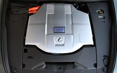 Lexus LS 600hL Engine