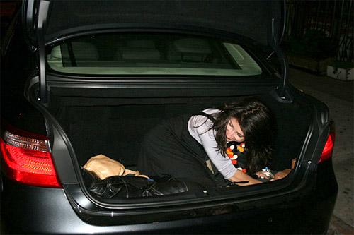 Lexus LS 600hL Trunk Space