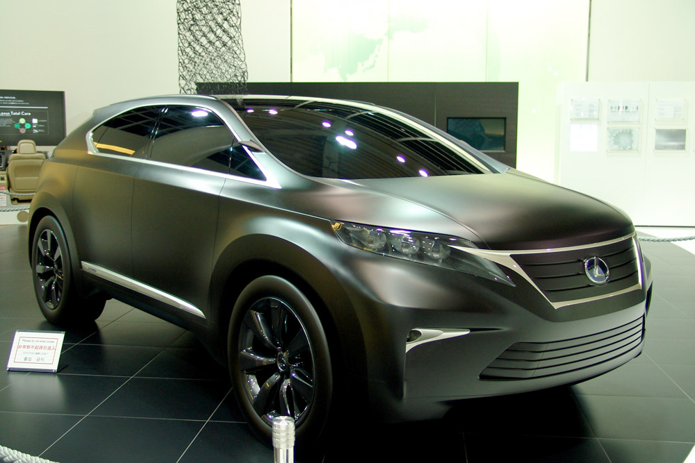 Lexus LF-Xh in Matte Black