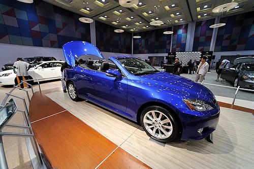 Lexus IS-C in Blue
