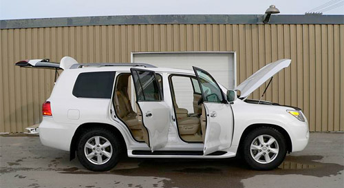 As part of their recurring Inside Story feature, Canadian Driver took a look at the Lexus LX 570's interior, and it's a fully detailed breakdown of the ...
