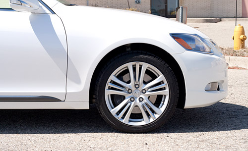 2009 Lexus GS450h Wheel Design