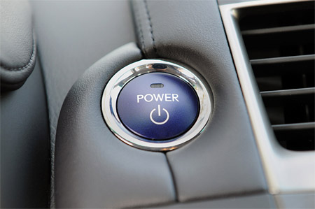 Lexus HS250h Power button