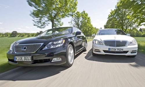 Lexus LS600h vs. Mercedes S400 Hybrid