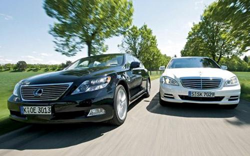 Lexus LS 600hL vs. Mercedes S400 Hybrid