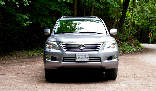 Lexus LX 570 Front View