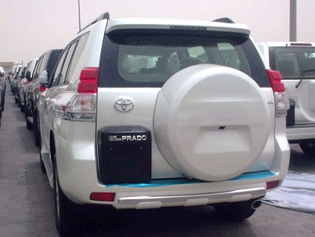 Lexus GX/Toyota Prado Spy shot Rear View