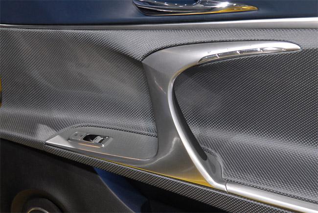 Lexus LF-Ch Inside Door