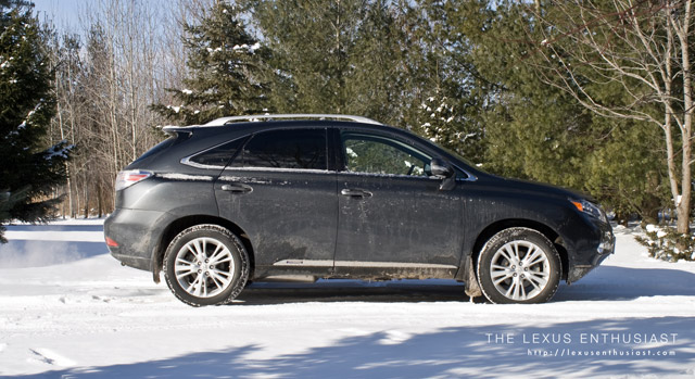 2010 Lexus RX450h in Winter