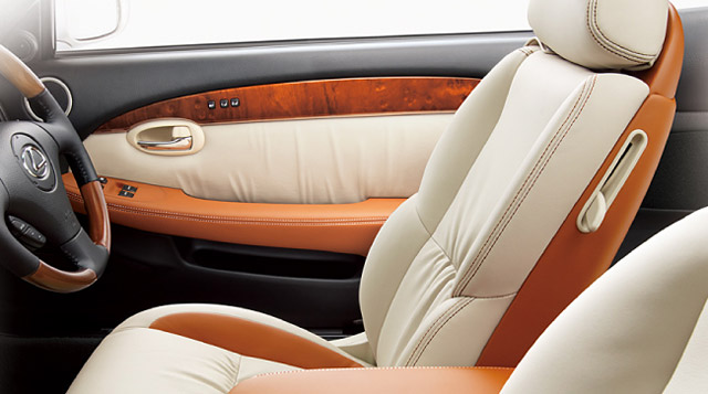 Lexus SC 430 Eternal Jewel Interior