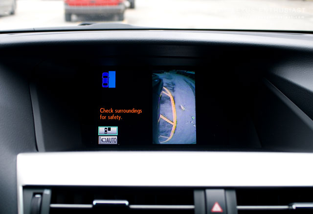 Lexus RX 450h Side Monitor 1