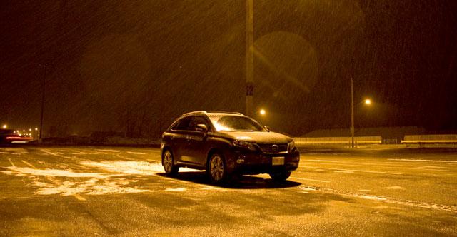 2010 Lexus RX450h at Night