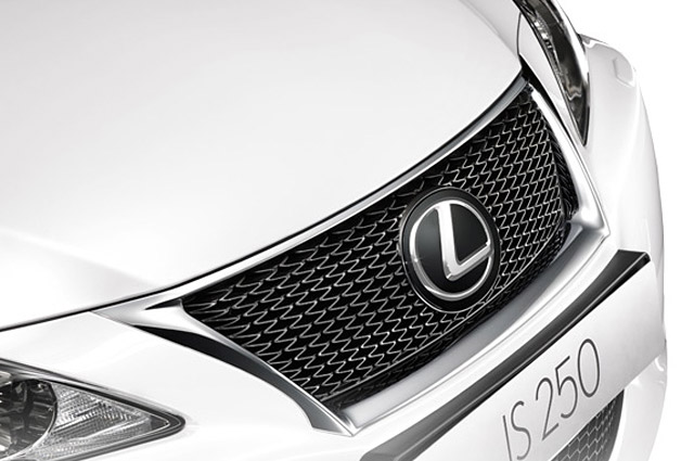 Lexus IS 350C F-Sport Grille