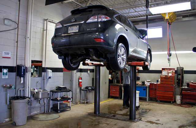 Lexus RX 450h on the Hoist