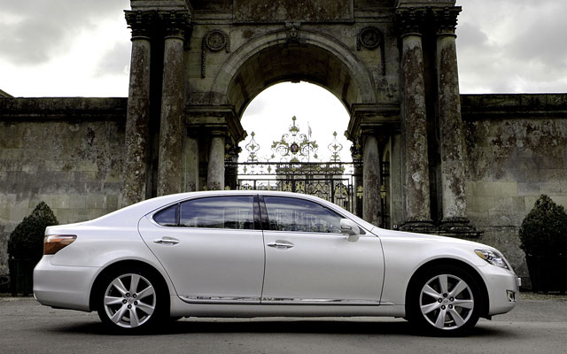 Lexus LS 600h Wallpaper Desktop