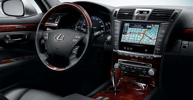 Lexus Wins KBB Brand Awards for Interior Design and Comfort