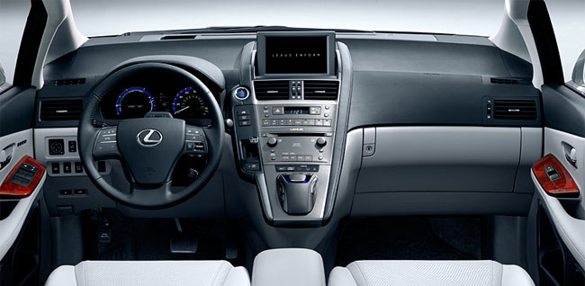 Lexus HS 250h Wins Ward's Interior Award