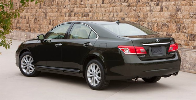 Automobile Magazine Reviews the 2010 ES 350