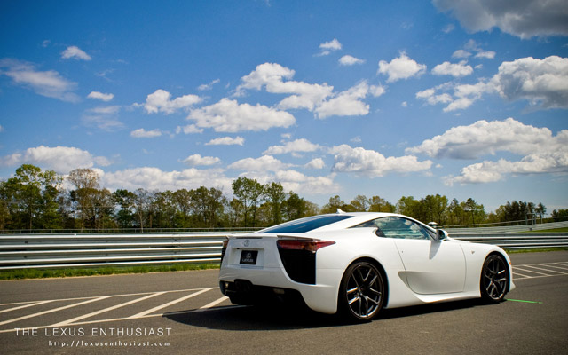 Lexus LFA Desktop Wallpaper 1