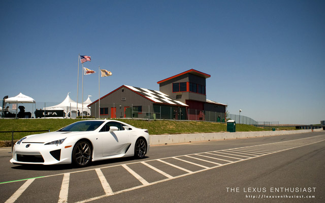 Lexus LFA Desktop Wallpaper 2