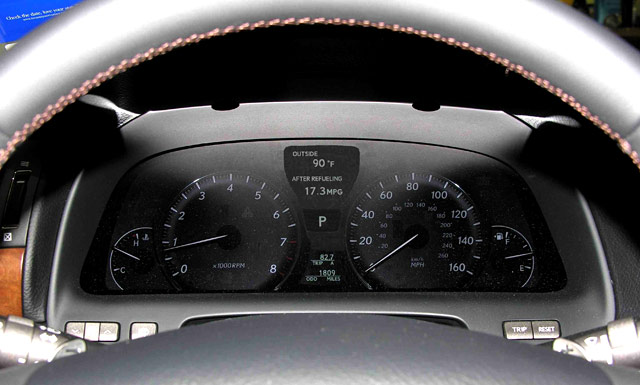 Lexus LS 460 Sport Tachometer & Speedometer Photo