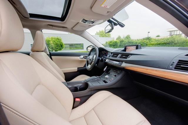 Lexus CT 200h Beige Leather Interior