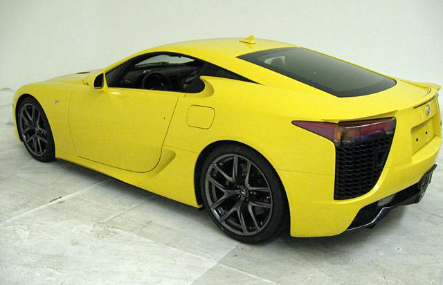 Yellow Lexus LFA Side