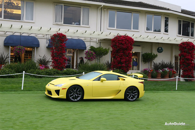 Yellow Lexus LFA Side