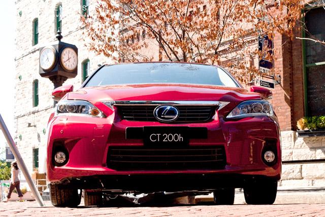 Lexus CT 200h in Red