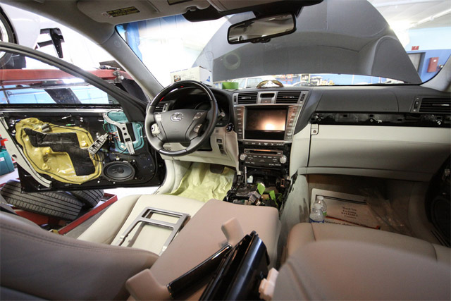 Fox Marketing Lexus LS 600hL Interior