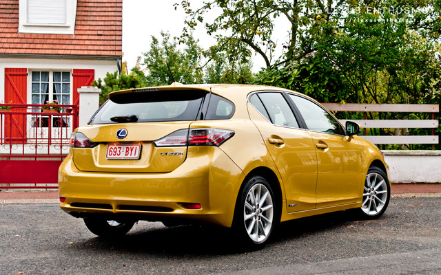 Lexus CT 200h in Daybreak Yellow