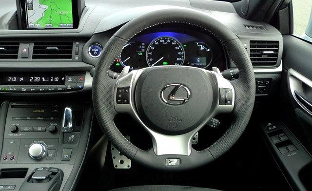 Lexus CT 200h Paddle Shifters