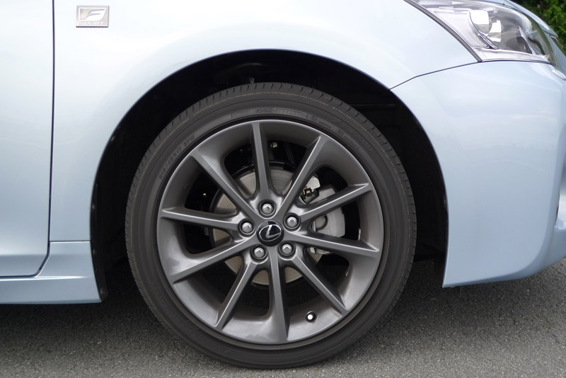Lexus CT 200h F-Sport Wheel