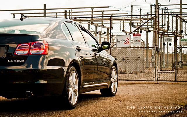 2010 Lexus GS 450h Closeup