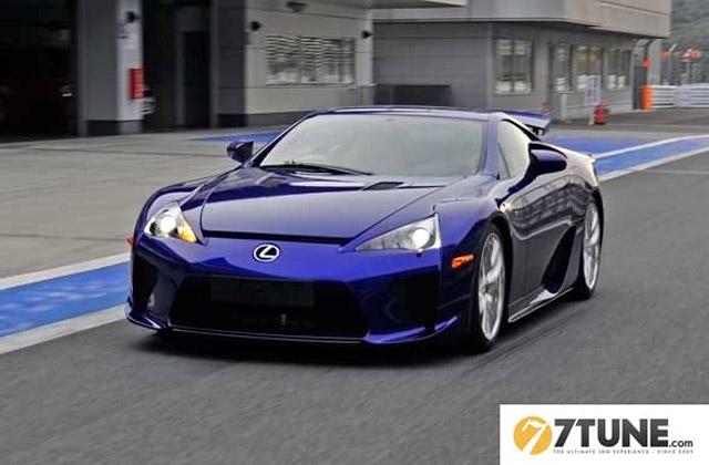 Blue Lexus LFA @ Fuji Speedway