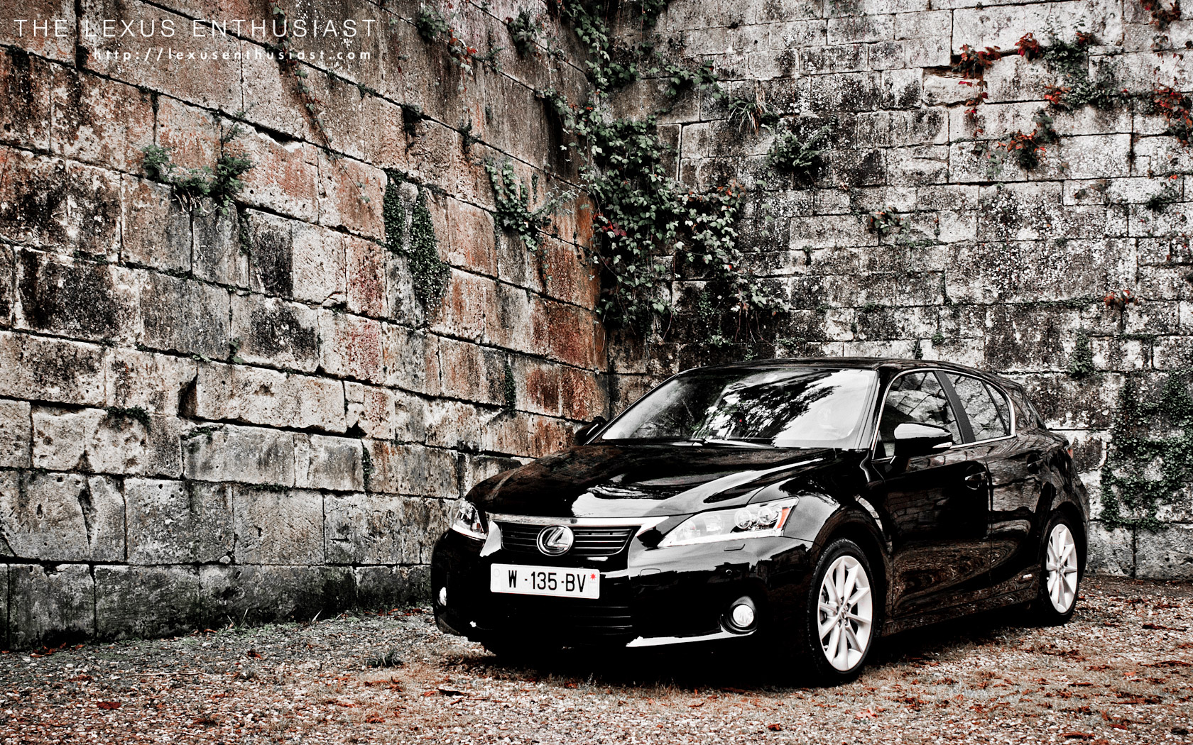 Black Lexus CT 200h Brick