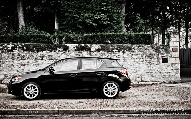 Black Lexus CT 200h Side