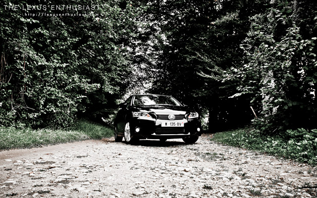 Black Lexus CT 200h Forest