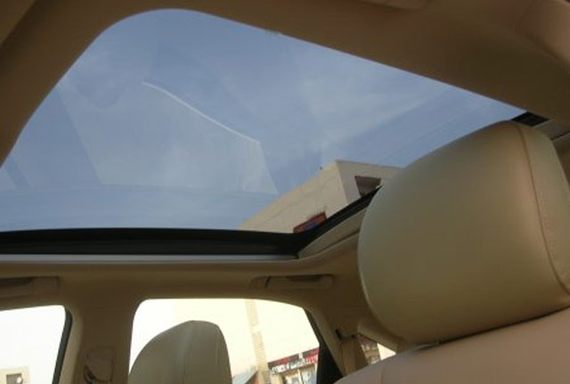 Lexus RX 350 Panoramic Glass Roof from the Inside