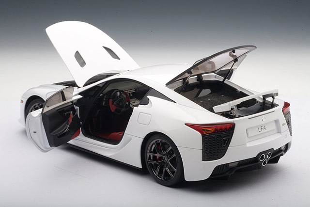 Lexus LFA Die-Cast Model by Auto Art Opened up