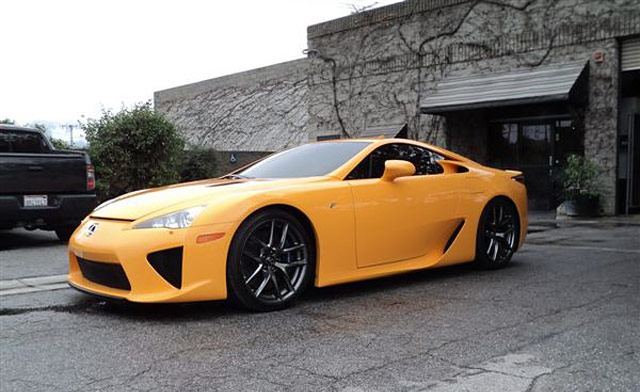Lexus LFA in Orange