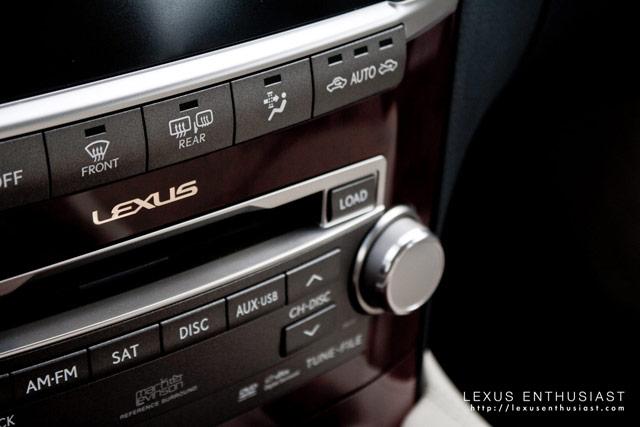 Lexus LS 600hL Interior Detail
